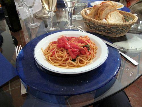 Primi Piatti (first plate) @ Le Tore - Cherry Tomatoes and Spaghetti