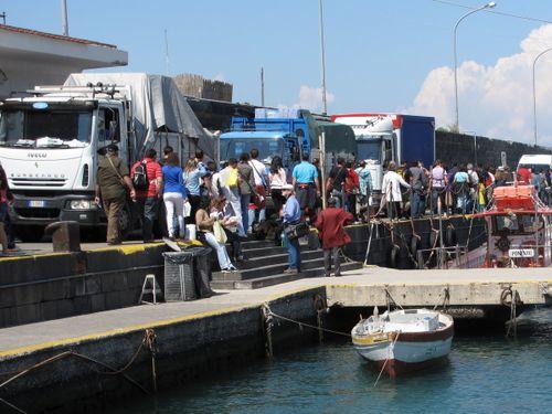 Tour groups vs Trucks on the docks in Capri Harbour